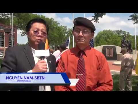 PHÓNG SỰ CỘNG ĐỒNG: Cộng đồng Việt Nam tại Wichita, Kansas biểu tình chống CSVN