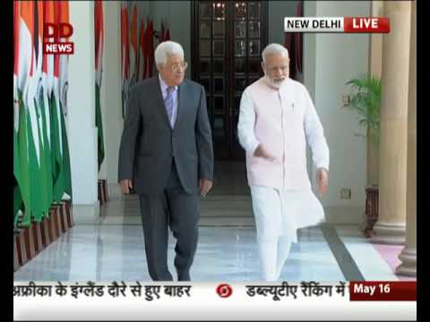 PM Modi meets President Mahmoud Abbas at Hyderabad House