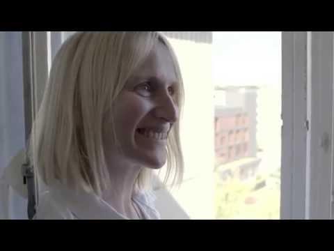 Lerne Katrin und Mo kennen: Gastgeber in Berlin | Airbnb Citizen