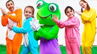 Лягушонок Даня - детская песня. Песни для детей от Майи и Маши