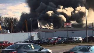 Raw: Scrap yard fire