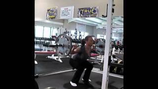 140lb girl Squats 135 lb x 30 reps (Rachel Guyton, 36 yrs old)