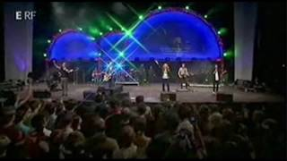 You Are Here (The same power) - HILLSONG (Lyrics / LIVE 2009)