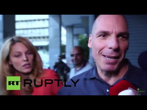 Greece: Varoufakis mobbed by press as bailout referendum looms