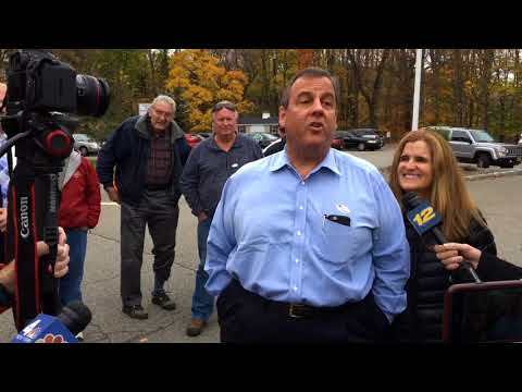 Chris Christie shuts down a combative voter in the most Christie-like way