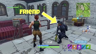 HOW TO GET INTO THE SAME SOLO AS YOUR FRIENDS! (Fortnite Battle Royal)