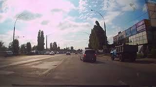 В Кишиневе действуют неписаные правила дорожного движения