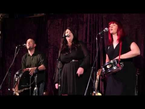 Veins - Sarah Conlan ft. Into The East (Live at the Mayfair Cafe)