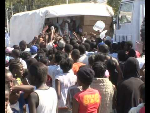 MaximsNewsNetwork HAITI: FOOD DISTRIBUTION TO DESPERATE CROW