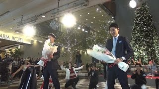 """Flash mob marriage Proposal フラッシュモブ サプライズ """"福岡天神 ダブル プロポーズ"""" One Direction """"Everything About You"""""""