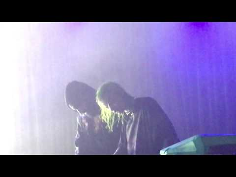 Crystal Castles  Teach Her How to HuntIntimate @ The Glasshouse Pomona, CA 41217