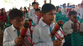 Siswa SDN Inpres Lemo Memainkan Musik Bambu Khas Toraja