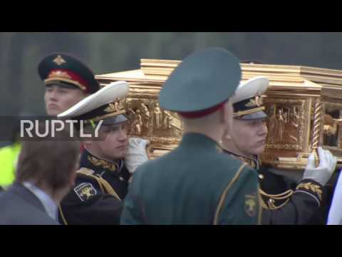Russia: Moved for the first time in 1000 years - Saint Nicholas' relics arrive in Moscow