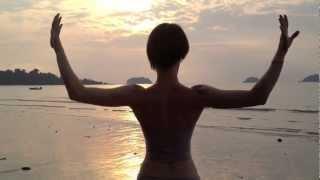 видео Комплекс адаптивной гимнастики Бубновского: можно ли  с помощью