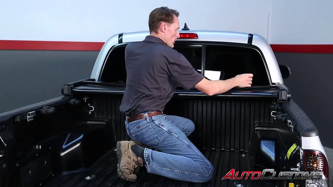 Gator Tri Fold Tonneau Cover Install On 2013 Toyota Tacoma Autocustoms Com Youtube