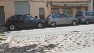 Ausparken auf Spanisch / Spain parking women