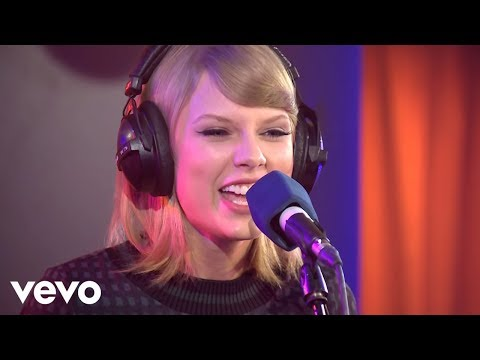 Taylor Swift - Shake It Off in the Live Lounge