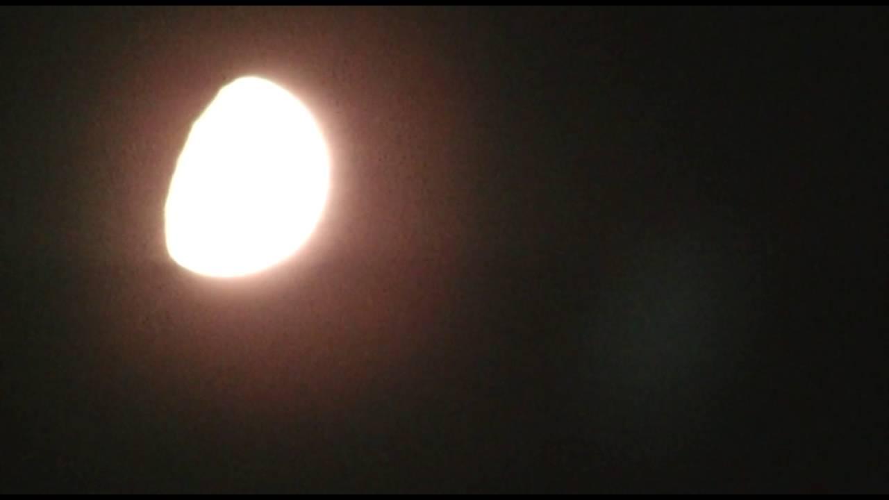 """OVNI : Il filme un """"OVNI énorme"""" partir de la Lune ? 2018 - Page 2 Maxresdefault"""