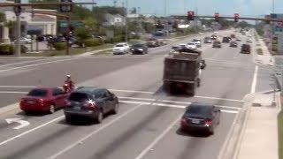 Dump truck runs red light at Sarasota intersection - Sarasota Police Department
