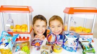 CHALLENGE MACHINE À PINCES - Pêche aux Oeufs Surprises - Candy Grabber Challenge