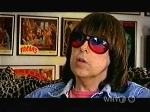 Proof that Johnny Ramone is the Moe Howard of Rock 'N Roll