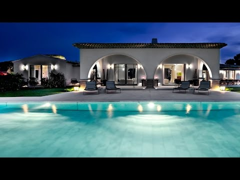 Extravagant, Chic & Sophisticated, Hilltop Luxury Villa in S