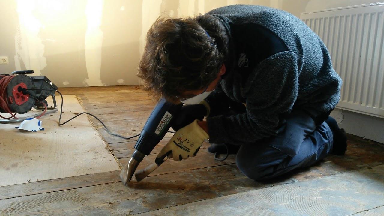 Teppichkleber von Dielen entfernen mit Heißluft und
