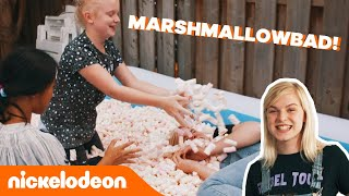 Zwemmen in marshmallows met Femke Meines! 😍 | De Viral Fabriek | Nickelodeon Nederlands