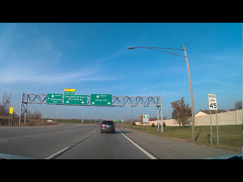 Driving in Sterling Heights, Michigan