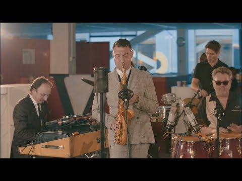 Kantoortuin Concerten: New Cool Collective - de Volkskrant