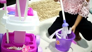 Download Video Mainan Anak Alat Pembersih Lantai 💖 Magical Cleaner Playset Toys 💖 Let's Play Jenica MP3 3GP MP4