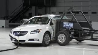 2011 Buick Regal side IIHS crash test