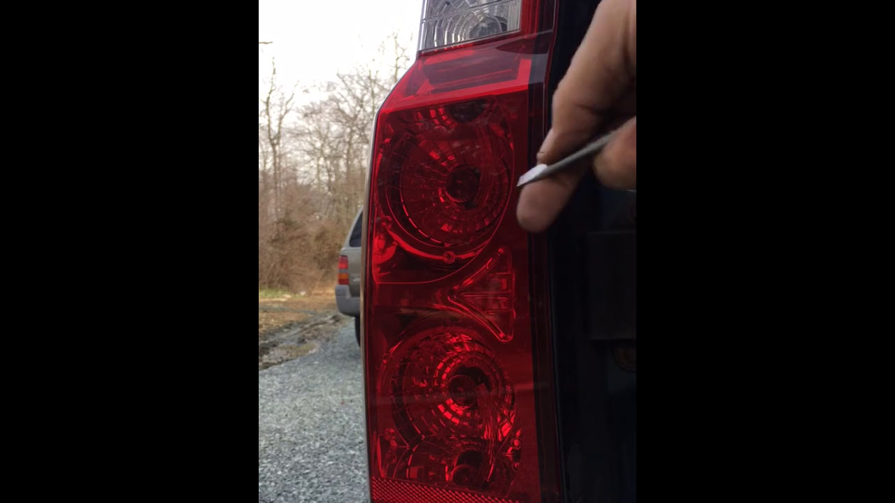How To 2006 Jeep Commander Limited Rear Signal Light