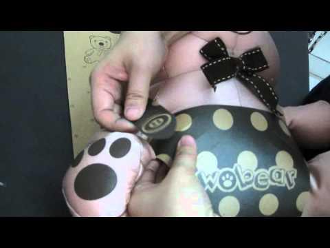 Packaging Wobear Gramedia, boneka bisa jadi bantal leher 2 in 1
