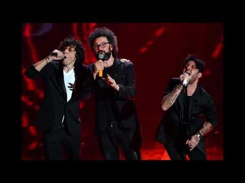 Ermal Meta e Fabrizio Moro con Simone Cristicchi - Non mi avete fatto niente (Live Sanremo 2018)