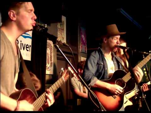 NEEDTOBREATHE -  Tennessee medley (acoustic KRVB radio)