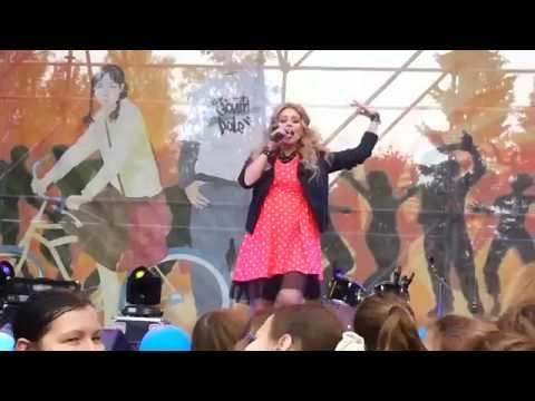 Ксения Новикова - А я все летала&Апельсиновая песня&Танго (2014)