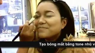 Clip hướng dẫn trang điểm cô dâu phong cách tự nhiên