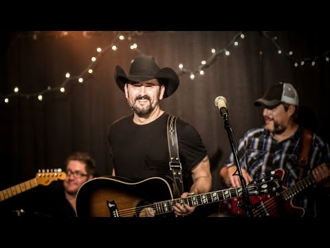 Ray Scott - Drinkin' Beer - Official Music Video