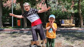 Buğra ile Berat Parkta Yerde Lav Var Oynadı. The Floor is Lava Fun Kids Video