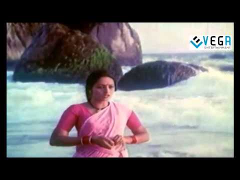Anbin Mugavari Movie Love Scene -3