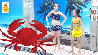 Kids Go To Pool Swimming Catch Crabs w/ Five Little Girls Learn Frog Swimming Children Songs Vlad IR