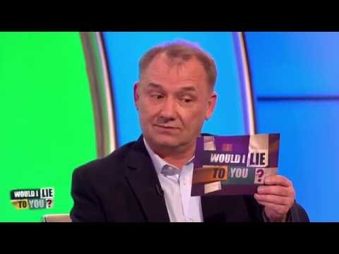 Was Bob Mortimer frightening locals and ordered to leave town? - [HD][CC-EN,DA,EL,PT,ET]