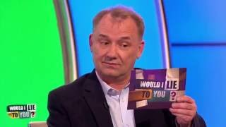 Was Bob Mortimer frightening locals and ordered to leave town? - [HD][CC-EN,EL,PT,ET]