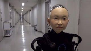 Японский папа Карло: в Осаке инженер создал робота с лицом мальчика