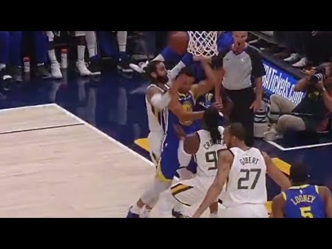 steph-curry-eyes-in-back-of-head-impossible-pass-after-offensive-rebound