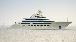 Luxusyacht Omar (L 156 m) inbound Wilhelmshaven
