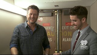 blake shelton plays the accent game   at the back door
