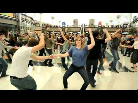 video:Denver Airport Holiday Flash Mob