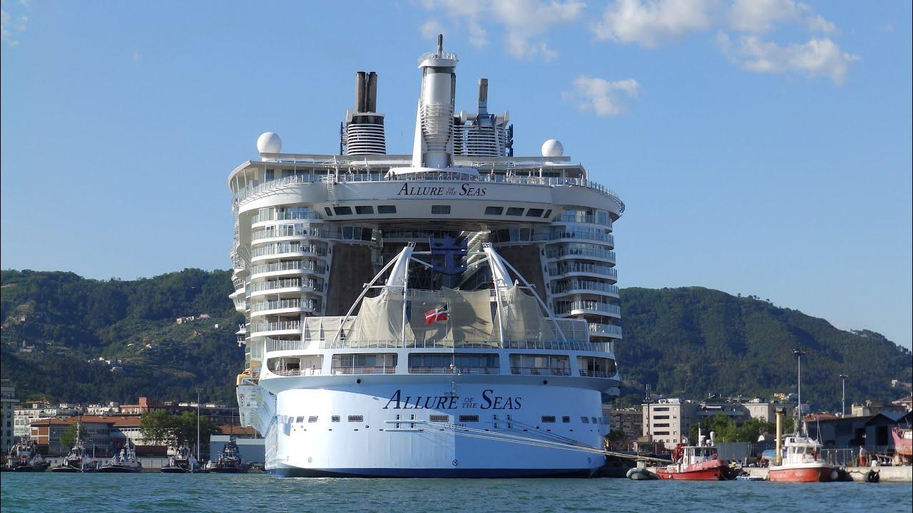 Allure of the seas in manovra nel porto di la spezia for Marletto arredamenti la spezia